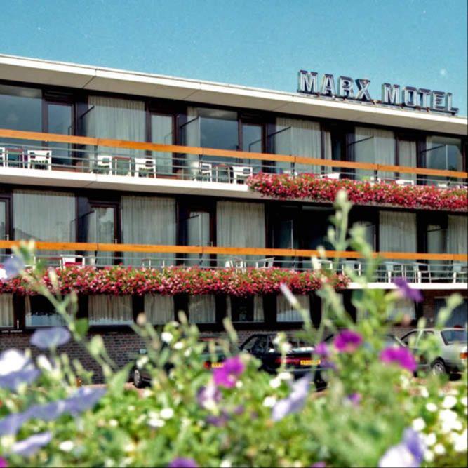 Marx-Motel